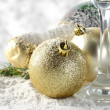 Single glasses and golden balls with champagne composition — Stockfoto