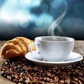 Koffie en zoete dessert — Stockfoto