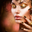 Gold Makeup. Fashion Girl Portrait — Stock Photo #11103598