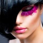 Fashion Brunette Model Portrait — Stock Photo #12802040