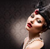 Retro vrouw portret. vintage stijl van meisje — Stockfoto