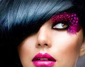 时尚黑发模型肖像。发型 — 图库照片