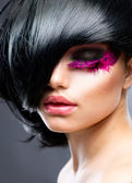 Moda model brunetka portret. fryzurę — Zdjęcie stockowe