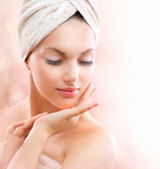 Spa Girl. Beautiful Young Woman After Bath Touching Her Face — Stock Photo