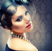 Retro Beauty Portrait. Vintage Styled. Beautiful Young Woman — Stock Photo