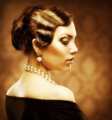 Classical Retro Style Portrait. Romantic Beauty — 图库照片