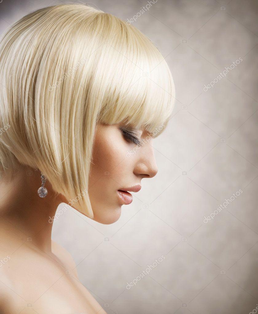 Фото девушек со спины с короткими волосами каре