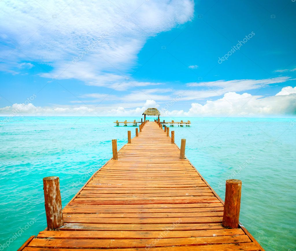 Vacations And Tourism Concept. Jetty on Isla Mujeres, Mexico  — Stock Photo #12802372