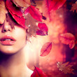 Autumn Woman Fashion Portrait. Fall — 图库照片