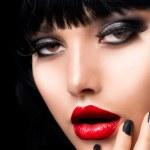 Beautiful Brunette Girl Portrait. Face. Makeup. Sensual Red Lips — Stock Photo