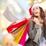 compras de Natal. menina com cartão de crédito em compras mall.sales — Foto Stock