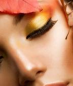 Maquiagem de outono. queda profissional make-up closeup — Foto Stock