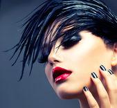 Mode kunst meisje portret. punk stijl — Stockfoto