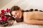 Spa. massaggio hot stone. dayspa — Foto Stock