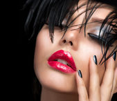 Fashion Art Girl Portrait. Vivid Makeup — Stock Photo