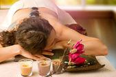 Salão spa. massagem com pedras. dayspa — Foto Stock