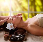 Massaggio viso spa — Foto Stock