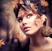 Herfst vrouw mode portret. val — Stockfoto