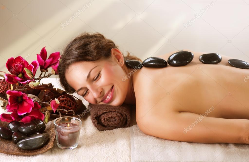 Spa. Hot Stone Massage. Dayspa — Stock Photo #14134331