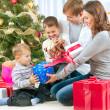 famiglia Natale — Foto Stock #16276133