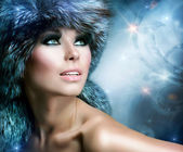 Fashion. Beautiful Girl in Fur Hat. Winter Woman — Stock Photo