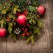 Χριστούγεννα διακόσμηση. διακοσμήσεις διακοπών πέρα από το ξύλινο υπόβαθρο — Φωτογραφία Αρχείου