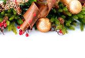 Noel dekorasyon tatil dekorasyon üzerine beyaz izole — Stok fotoğraf