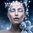 Winter Beauty Woman. Christmas Girl Makeup — Stockfoto #20381591