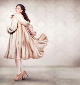 Fashion Beautiful Winter Woman in Luxury Fur Mink Coat — Stock Photo