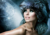 Fashion. Beautiful Girl in Fur Hat. Winter Woman — Zdjęcie stockowe