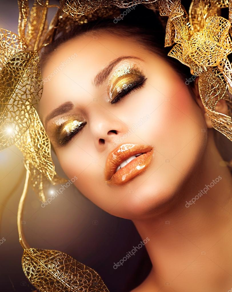 Glamour Makeup: Fashion Glamour Makeup. Holiday Gold Makeup