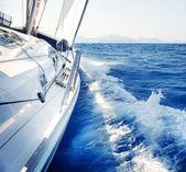 Jacht. żeglarstwo. żeglarstwo. turystyka. luksusowy styl życia — Zdjęcie stockowe