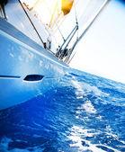 Yate. vela. navegación a vela. turismo. estilo de vida de lujo — Foto de Stock