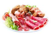 香肠。各种意大利火腿、 香肠和孤立在白色的培根 — 图库照片