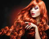 Red Hair. Fashion Girl Portrait. long Curly Hair — Stok fotoğraf