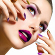 mode schoonheid. manicure en make-up. nagel kunst — Stockfoto #24592843