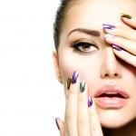 Fashion Beauty. Manicure and Make-up. Nail Art — Stock Photo