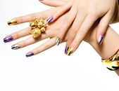 Manikyr. mode metalliska nagellack — Stockfoto