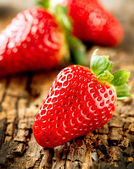 Strawberry over Wooden Background. Strawberries close-up — Stock Photo