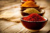 Especias curry, azafrán, cúrcuma — Foto de Stock
