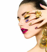 Fashion Beauty. Manicure and Make-up. Nail Art — Stockfoto