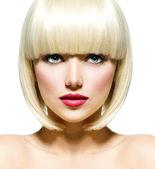 Moda elegante retrato beleza. rosto close-up da menina bonita — Foto Stock