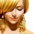 Beauty Blonde Fashion Model Girl With Golden Earrings — Stock Photo #29984117