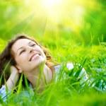 Beautiful Young Woman Outdoors. Enjoy Nature — Stock Photo