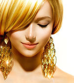 Beauty Blonde Fashion Model Girl With Golden Earrings — Stock Photo