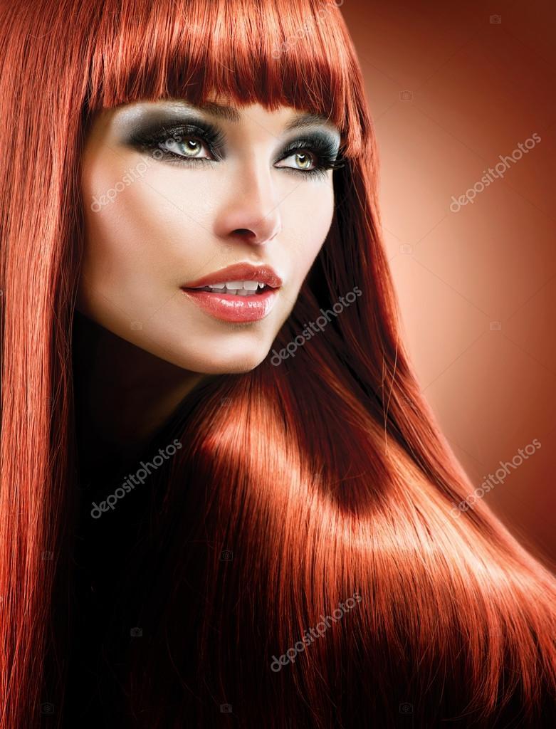 健康なストレートの長い赤髪。ファッション美容モデル \u2014 ストック写真 29983901