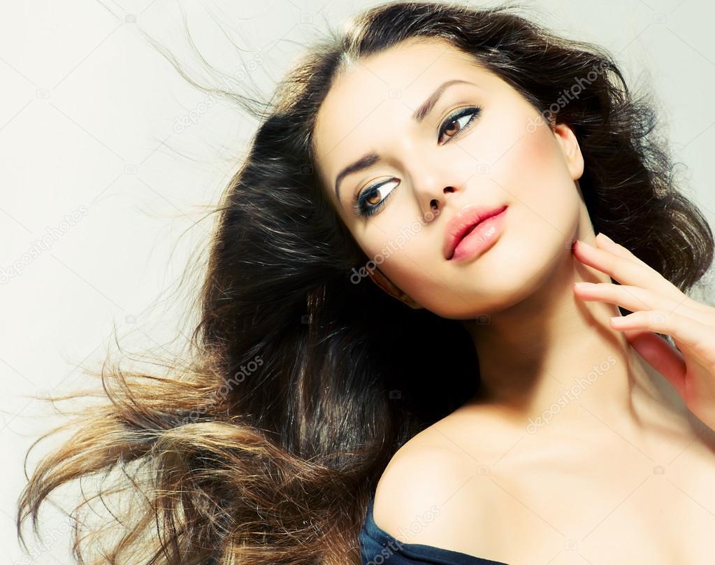 Самая красивая модель брюнетка фото 22 фотография