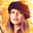 Autumn Woman in a Beret. Hat. Fashion Autumn Wear — Photo