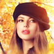 Autumn Woman in a Beret. Hat. Fashion Autumn Wear — Stock Photo #35709599