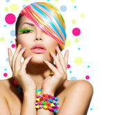 Beauty Girl Portrait with Colorful Makeup, Nails and Accessories — Stock Photo